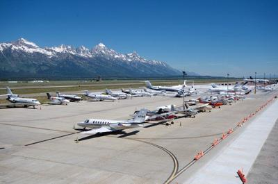 Jackson Hole Airport >> Airport Backs Its 26m Purchase Of Fbo Town County