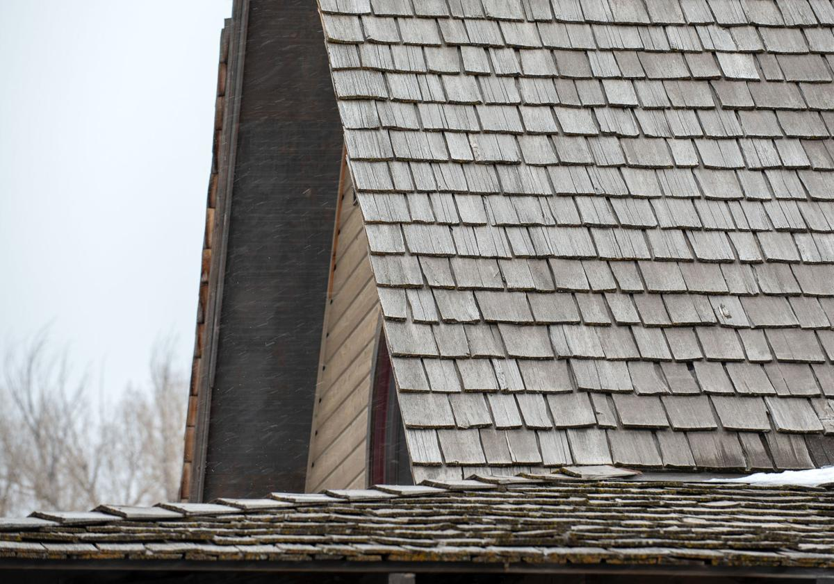 Shake shingle roof