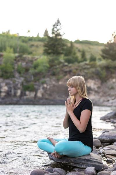 Teenage Yoga Instructor Finds Her Passion Early Closeup Jhnewsandguide Com
