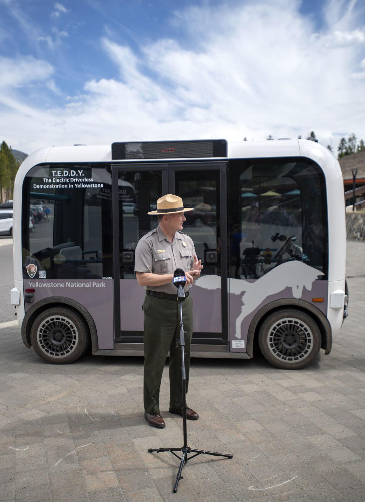 Automated electric shuttle