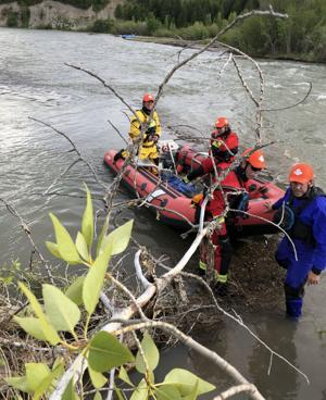 Rafters rescued after hitting log jam