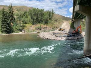 Boat flipped on Snake River, fatality reported