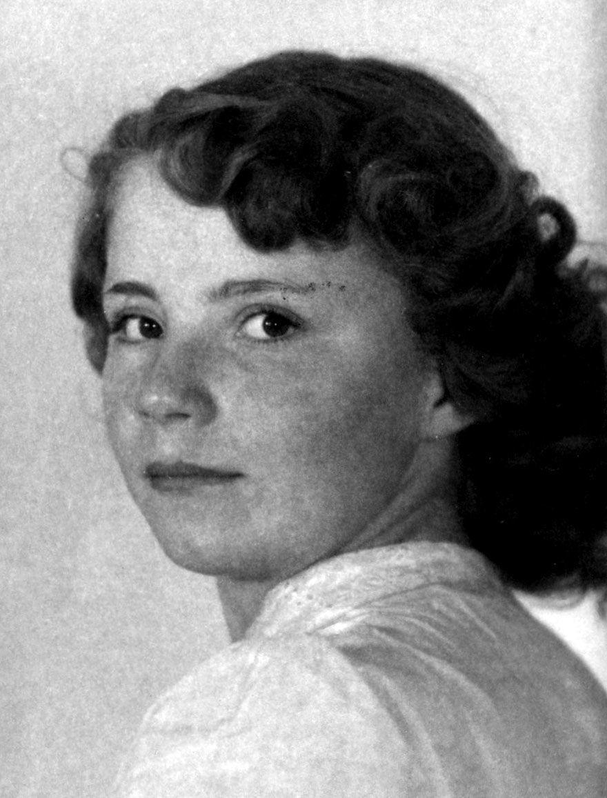 Obituary - Edna Caresia
