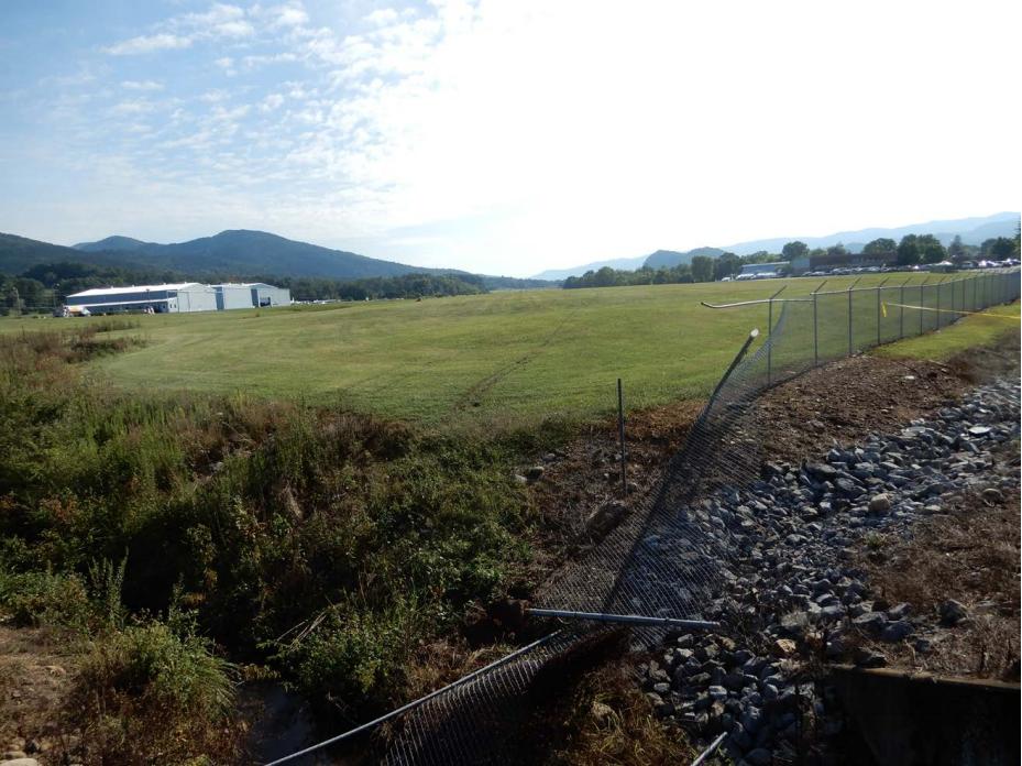Dale Earnhardt Jr. Plane Crash (Perimeter Fence)