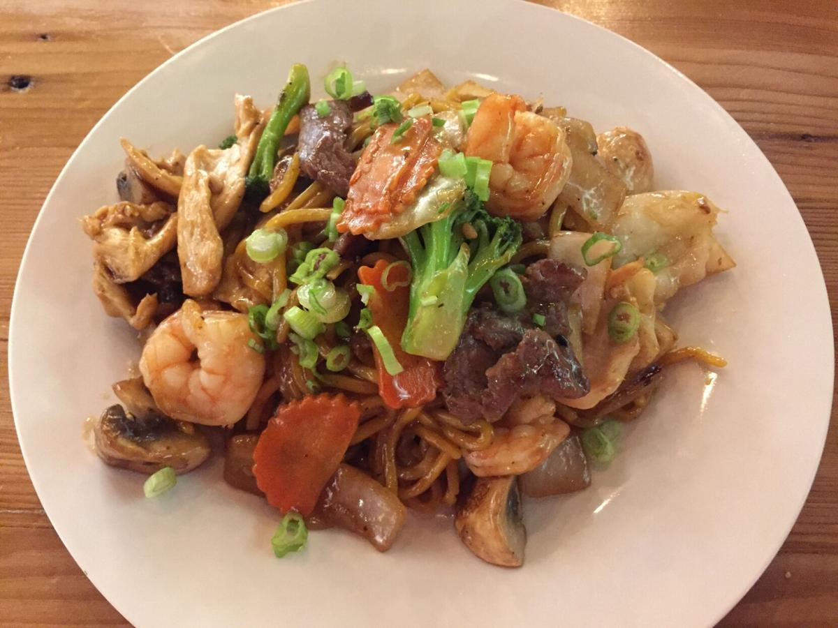 Chopstixpress House Special Lomein.JPG