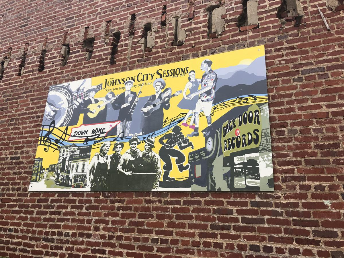 Johnson City 150 years: Students, artists paint downtown murals