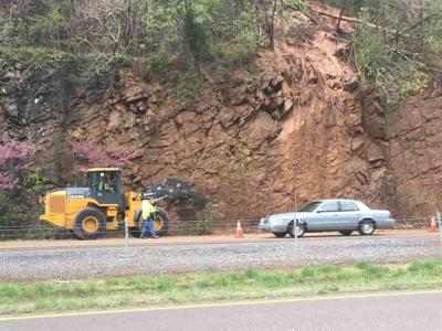 Mudslide from Kingsport's Bays Mountain blocks part of I-26