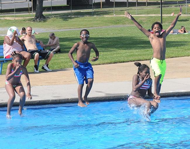 Warm weather highlights Memorial Day weekend fun