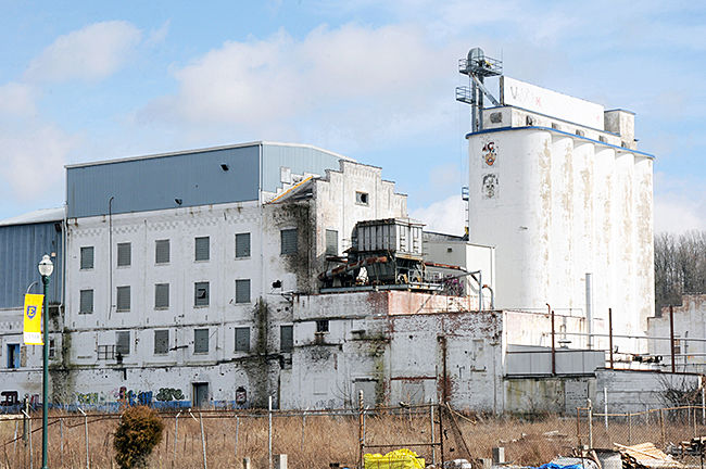 Summers-Taylor to buy Model Mill for corporate HQ