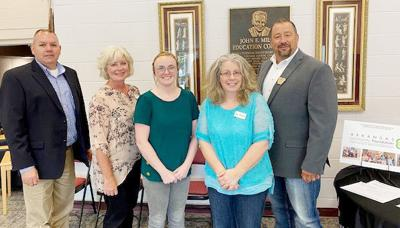 Twin Lakes Community Foundation helps build future for Izard County single parents