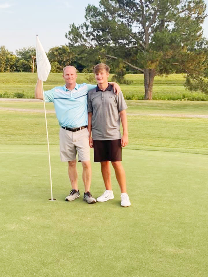 NEWPORT COUNTRY CLUB HOLDS INVITATIONAL