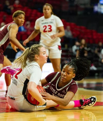 Trojans outwork Red Wolves