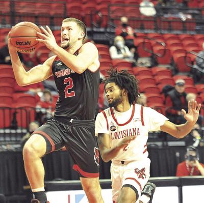 Red Wolves, Trojans renew basketball rivalry