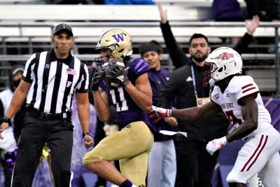 Huskies overwhelm Red Wolves
