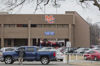2 dead, 19 injured in Kentucky school shooting; suspect held