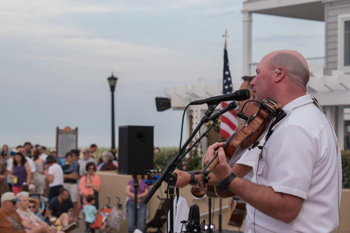 The US Navy's country music band is heading to Jefferson County this weekend