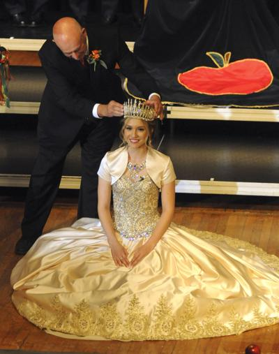 Riner crowned Queen Pomona