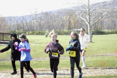 Running for a cause: 5K race held to benefit local organizations