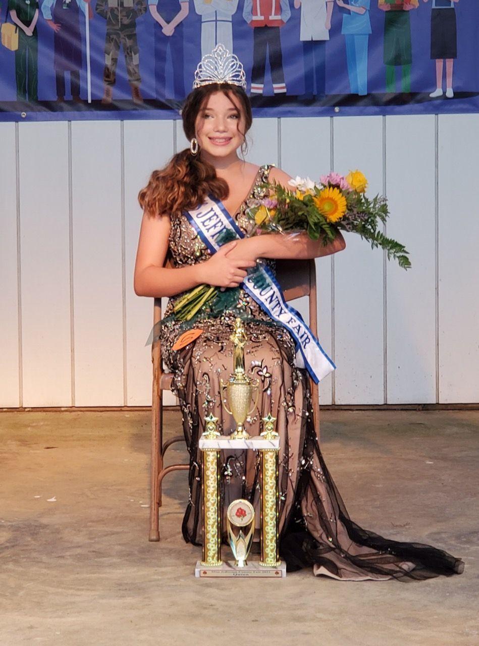 Leah Fellers crowned Miss Jefferson County Fair