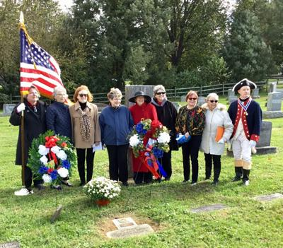 DAR holds dedication at Mountain View Cemetery