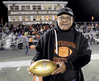Former Martinsburg, NFL football star Fulton Walker dies at age 58