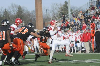 Throwback football: Bulldogs' Barrett brings old-school style to defense