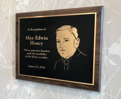 Max Hency plaque