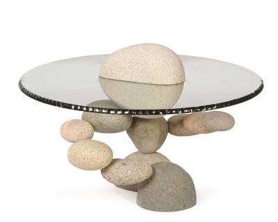 Woods Davy table with natural stones
