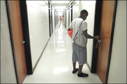 Wssu Dorm Rooms >> More Than a Full House: WSSU tries to fit in biggest freshman class | Local News | journalnow.com