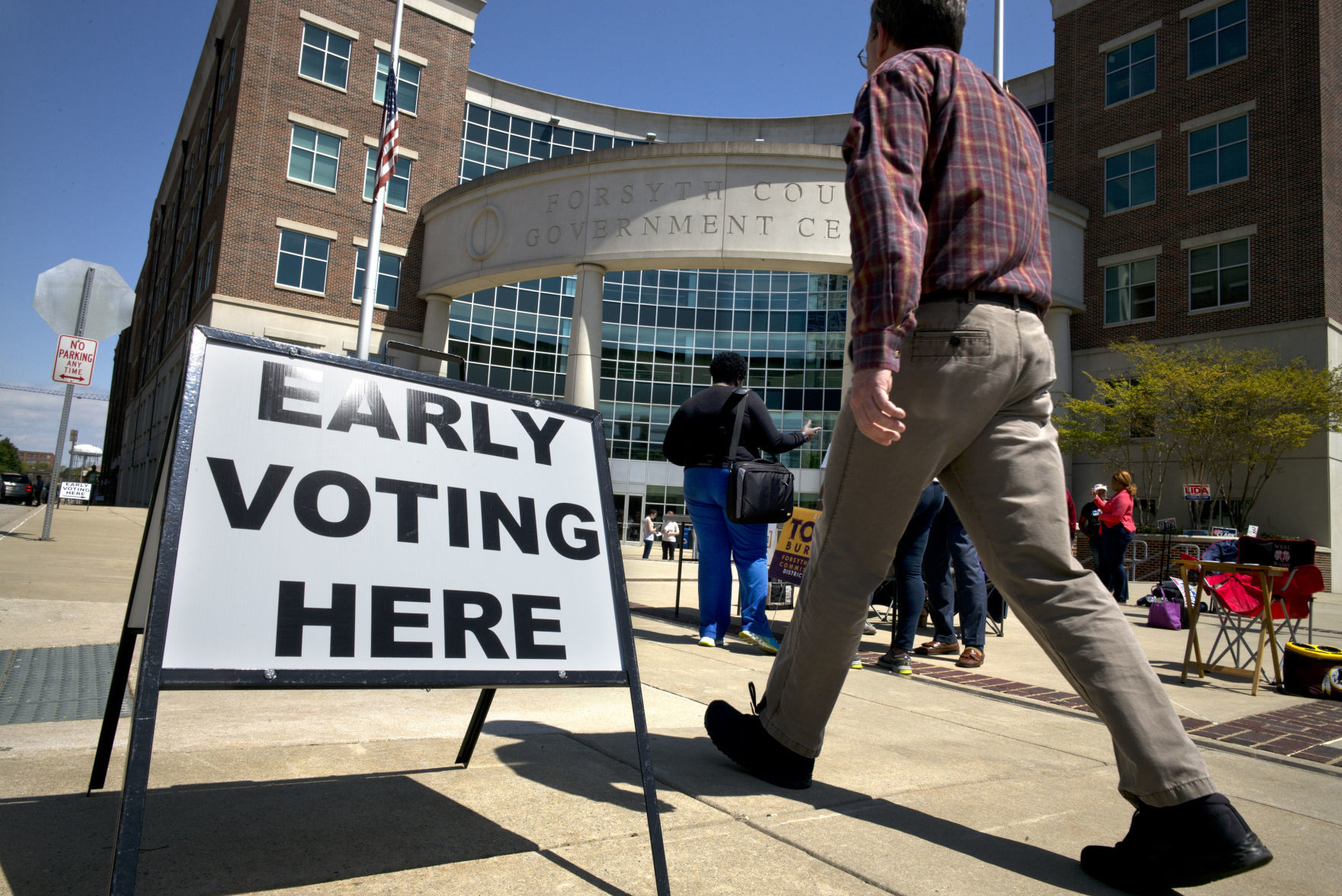 More than 250 vote on first day of early voting in Forsyth County | Winston Salem Journal