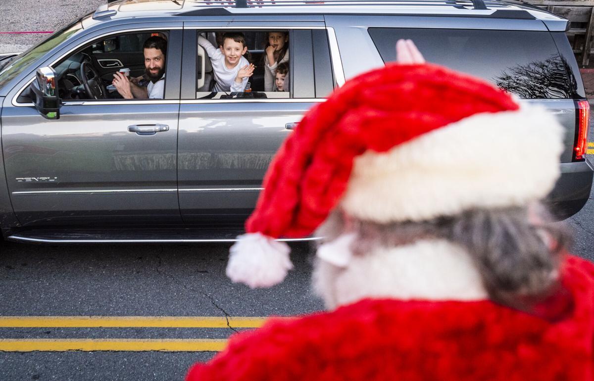 Dobson Christmas Parade 2021 Photos Reverse Holiday Parade And Christmas Tree Lighting Galleries Journalnow Com