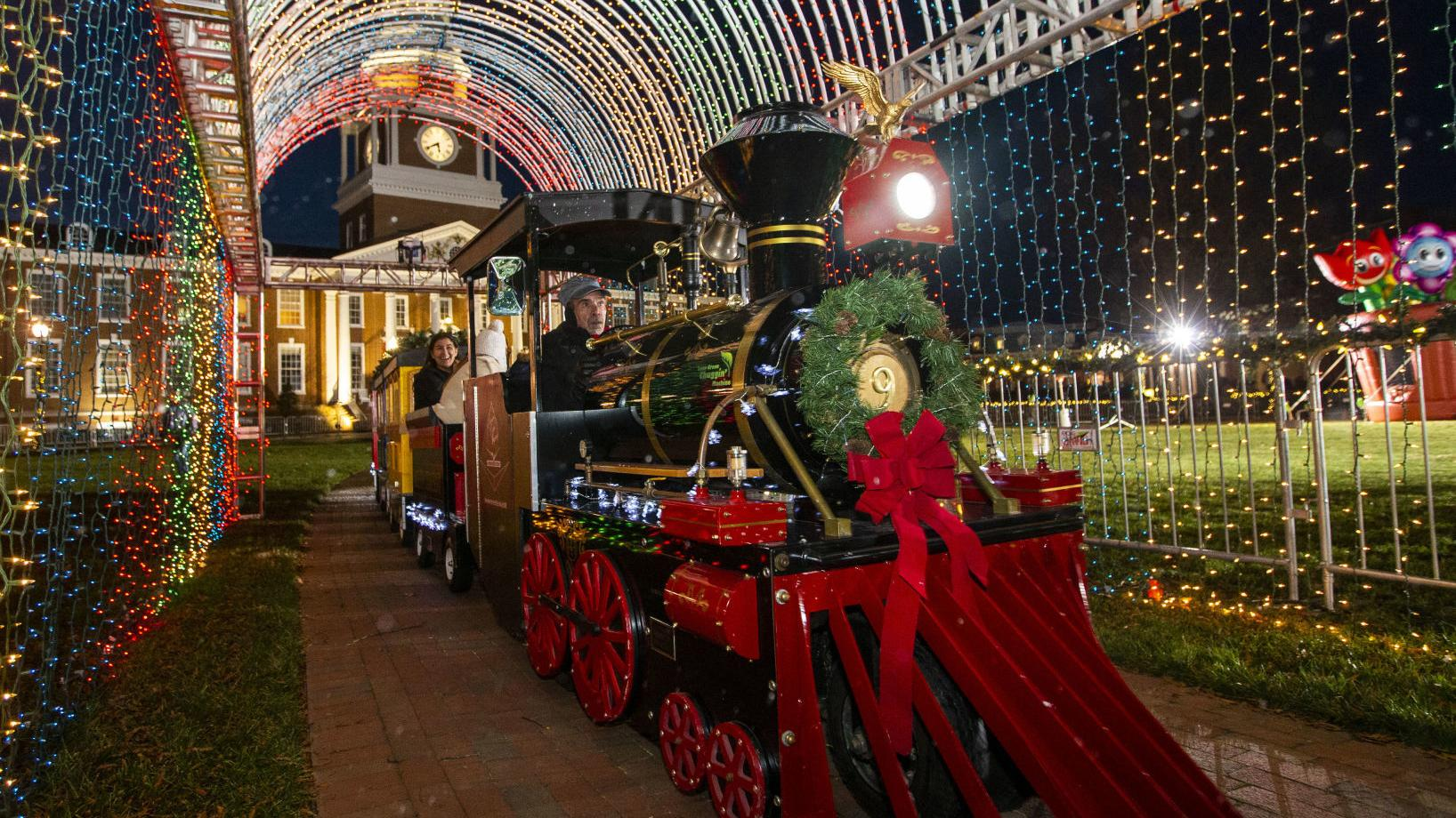 2021 High Point Christmas Parade More Than 100 000 Lights Here S Your Chance To See High Point University S Holiday Decorations Local News Journalnow Com