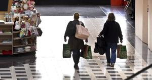 Holiday shoppers should keep watch, police say