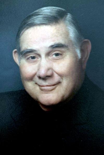 Henrichs, Dr. Walter Dean