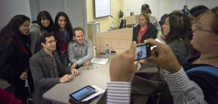 CSI stars reveal show's guts at DCCC | Local News
