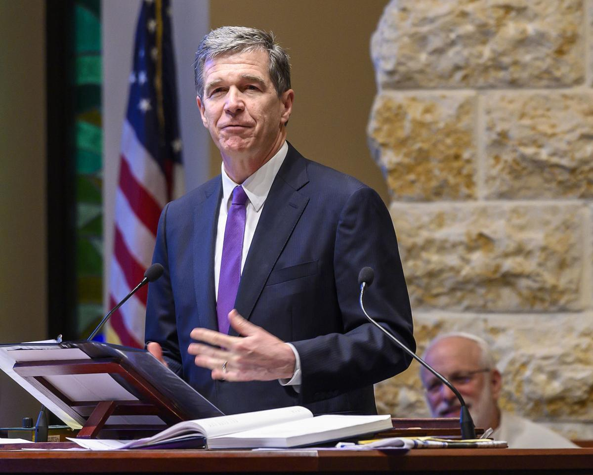Gov. Roy Cooper speaks at Temple Emanuel for Shabbat service (copy)