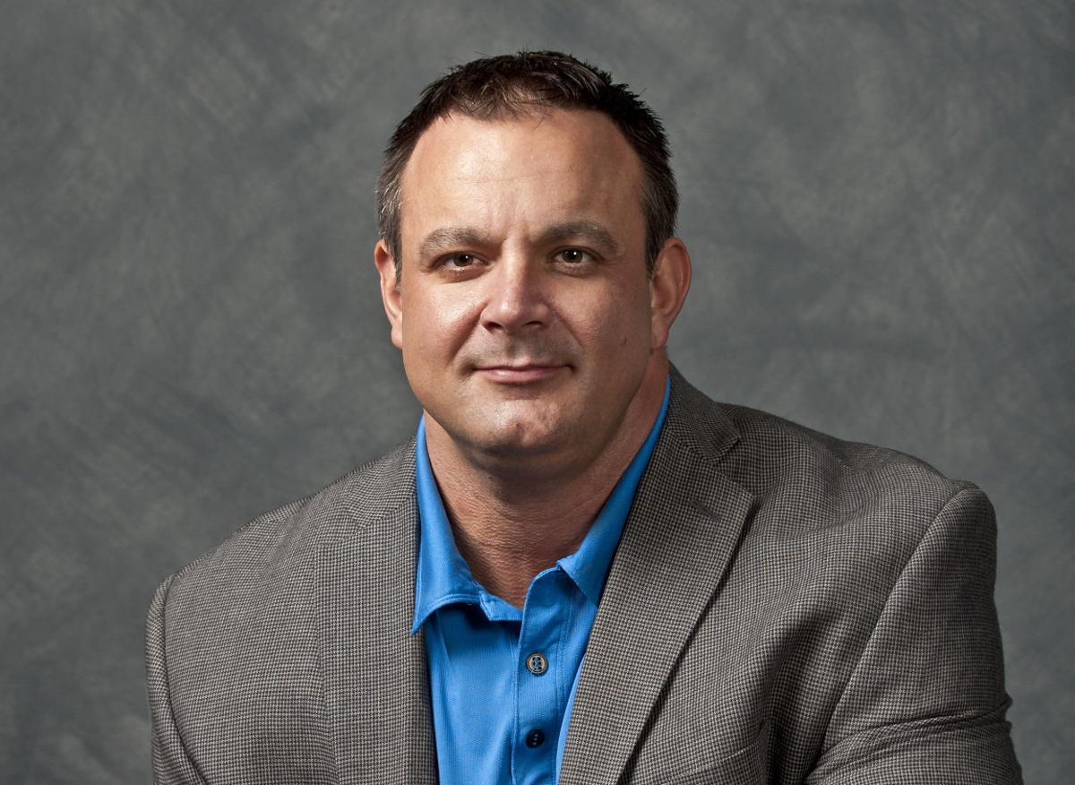 Scott Hamilton, Sports Columnist (WEB)