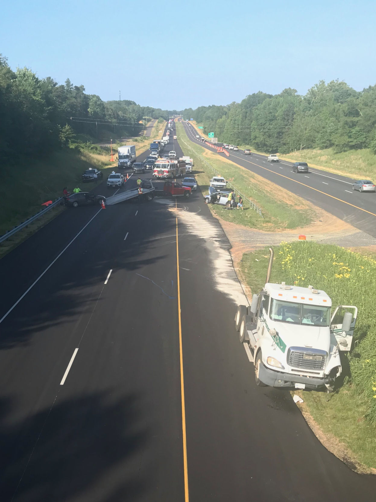 1 person dead in Friday morning crash that shut down I-40 in Davie County | Winston Salem Journal