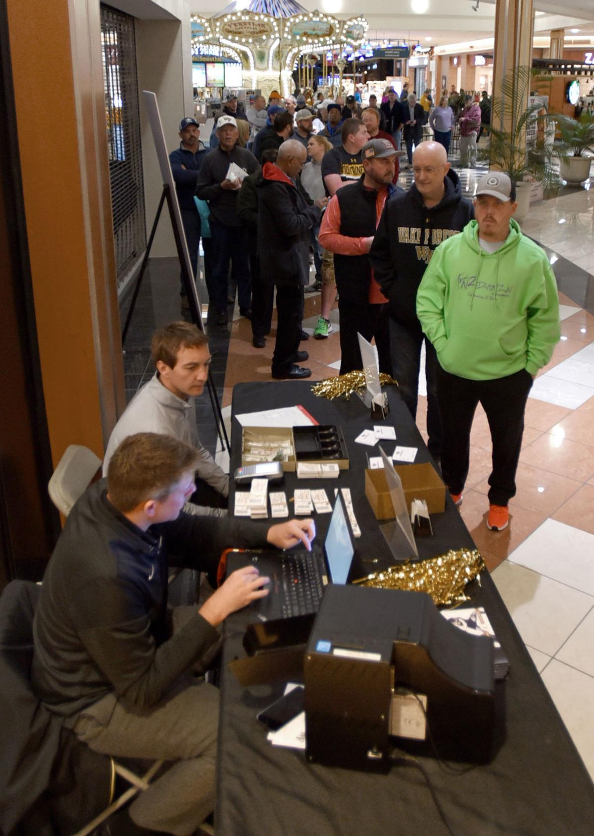 Black Friday Busy But Not As Busy As In Years Past As Shoppers Go Mobile For Deals Business News Journalnow Com