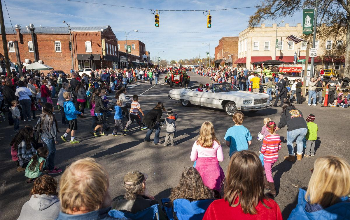 Mocksville Christmas Parade 2020 Beatin' the rush | | journalnow.com