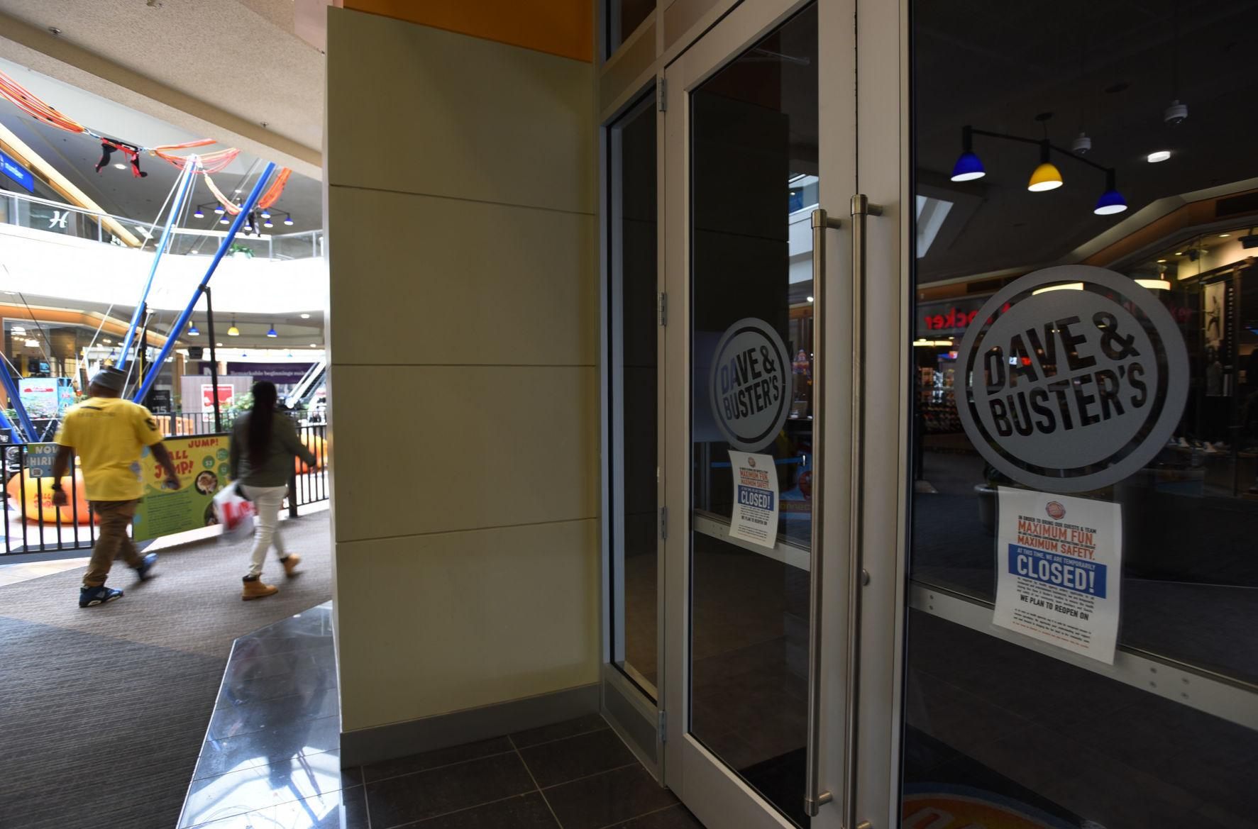Hanes Mall stores closed (copy)