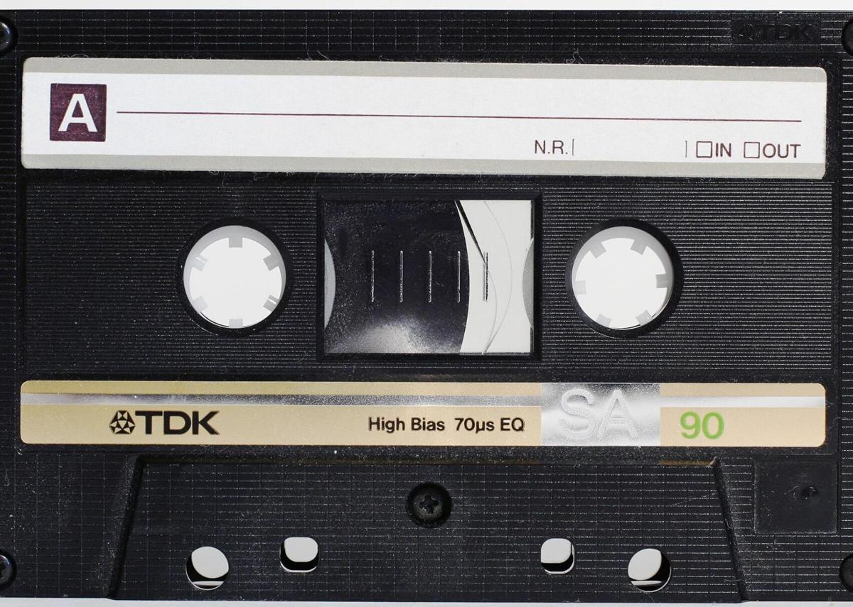 1962: Cassette tapes