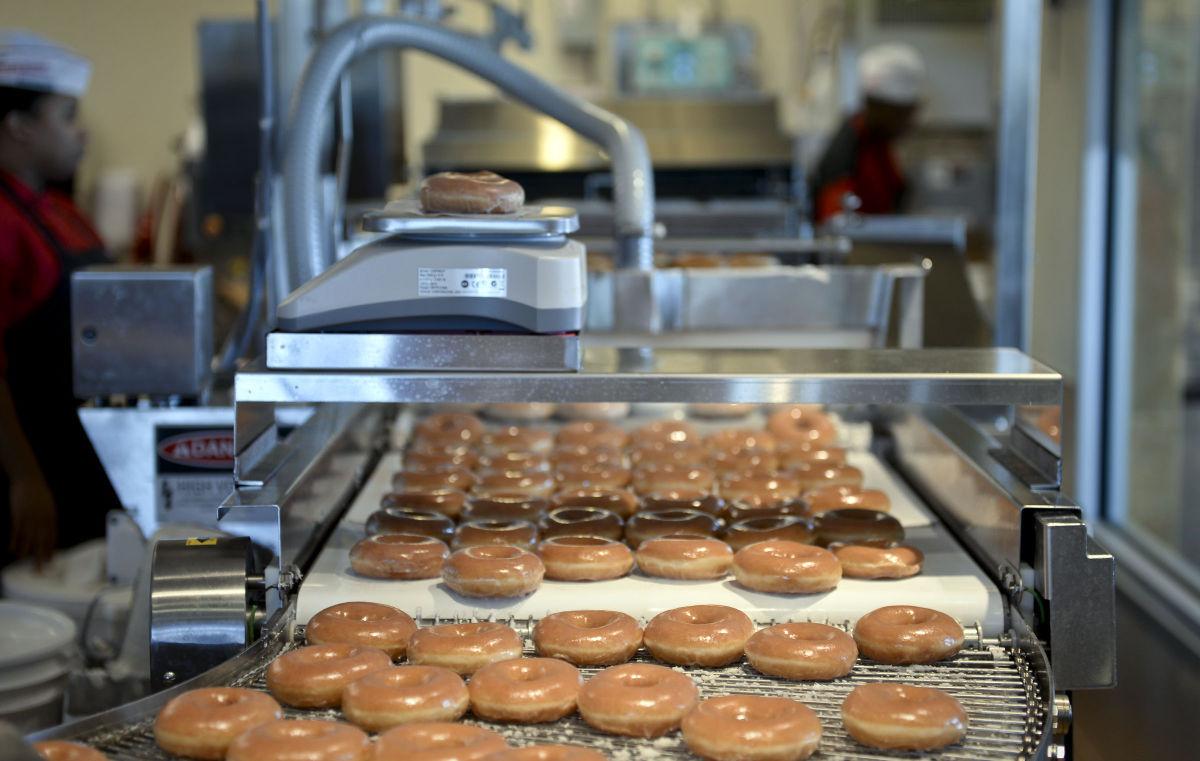 Krispy Kreme Popular Bakery Doughnut Shop T Shirt