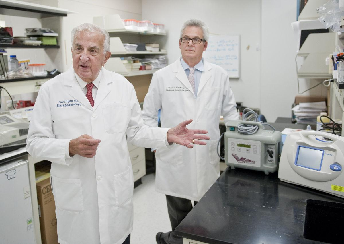 winston m doctor receives award for device that helps wounds about dr louis c argenta