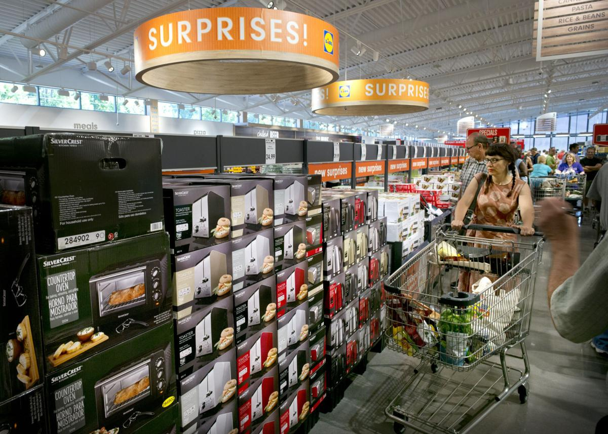 Lidl apre a una lunga serie di negozi in anteprima locale Store One-6399