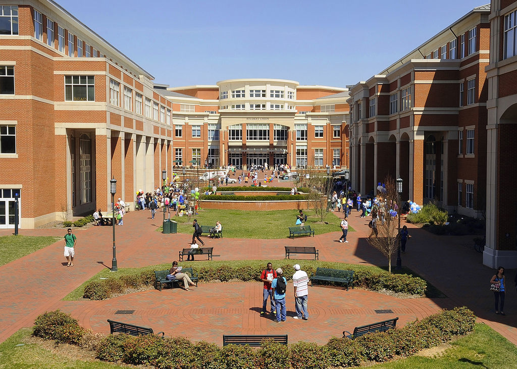 Uncc Academic Calendar 2019.The Syllabus Checking In With Unc Charlotte Journalnow Com
