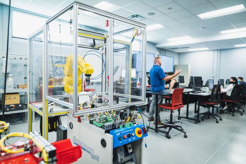 Forsyth Tech mechatronics lab