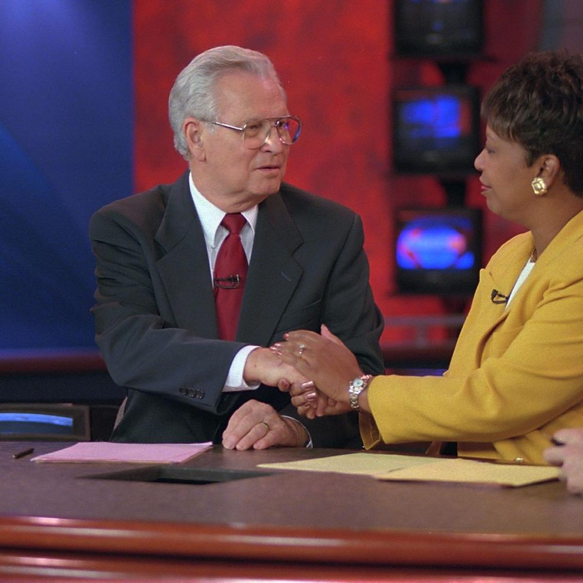 Longtime WFMY News 2 anchor Lee Kinard dies at age 86