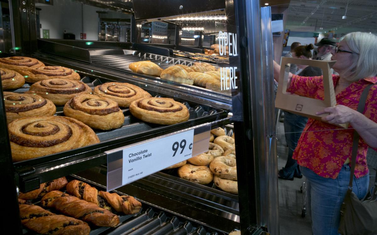 Apre il nuovo negozio di alimentari Lidl nelle gallerie Winston-Salem-3327