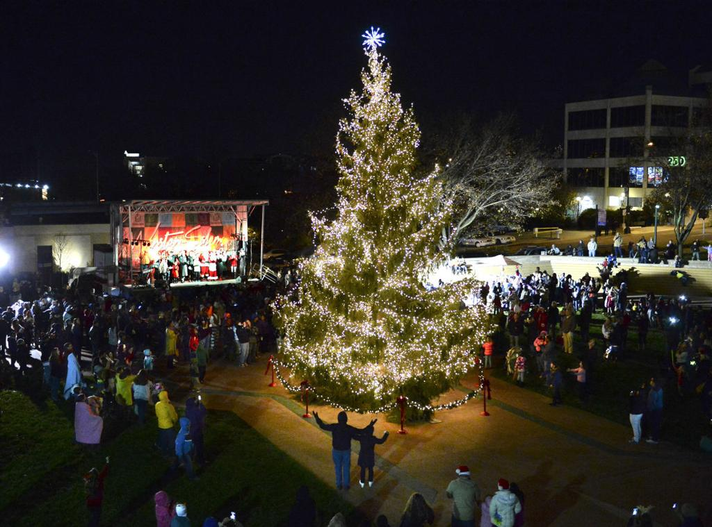 Butner Christmas Parade 2021 Thousands Attend Holiday Parade In Winston Salem Local News Journalnow Com